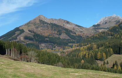 So zeigt sich der Polster im Herbst - herbstliches Bergpanorama