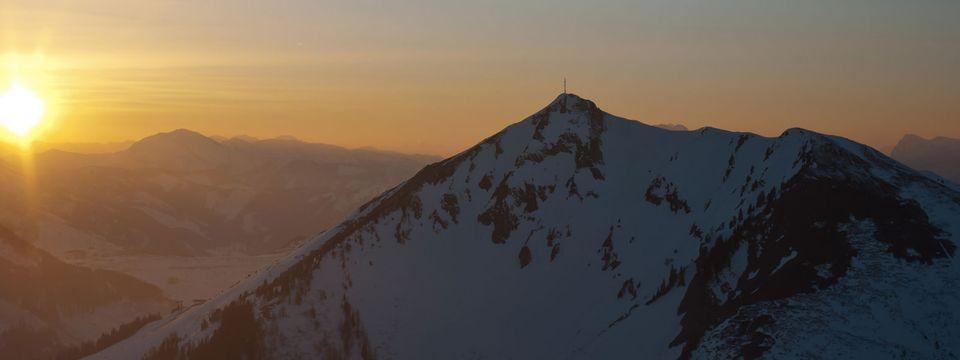 Winterlicher Sonnenuntergang am Polster